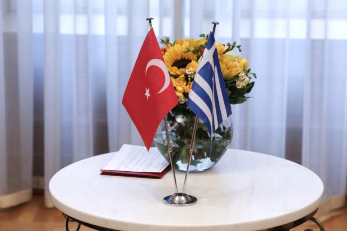 Ελλάδα-Τουρκία-σημαίες-696x464