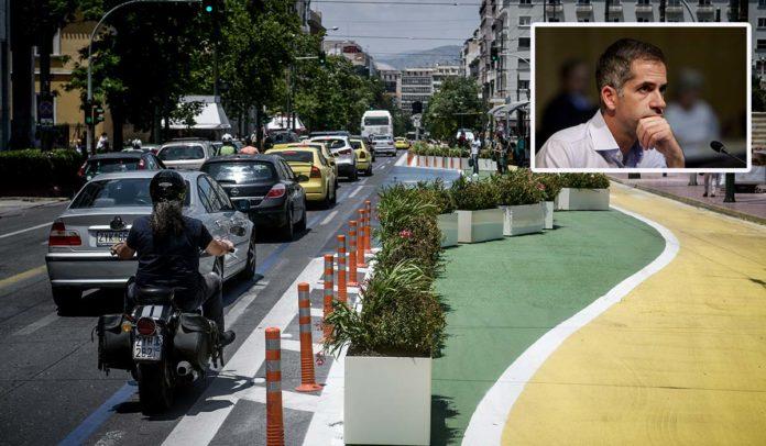 Τοποθετήθηκαν σήμερα ζαρντινιέρες με λουλούδια,κατά μήκος της διαδρομής του Μεγάλου Περιπάτου της Αθήνας στην οδό Πανεπιστημίου, Παρασκευή 26 Ιουνίου 2020 (EUROKINISSI/ ΤΑΤΙΑΝΑ ΜΠΟΛΑΡΗ)