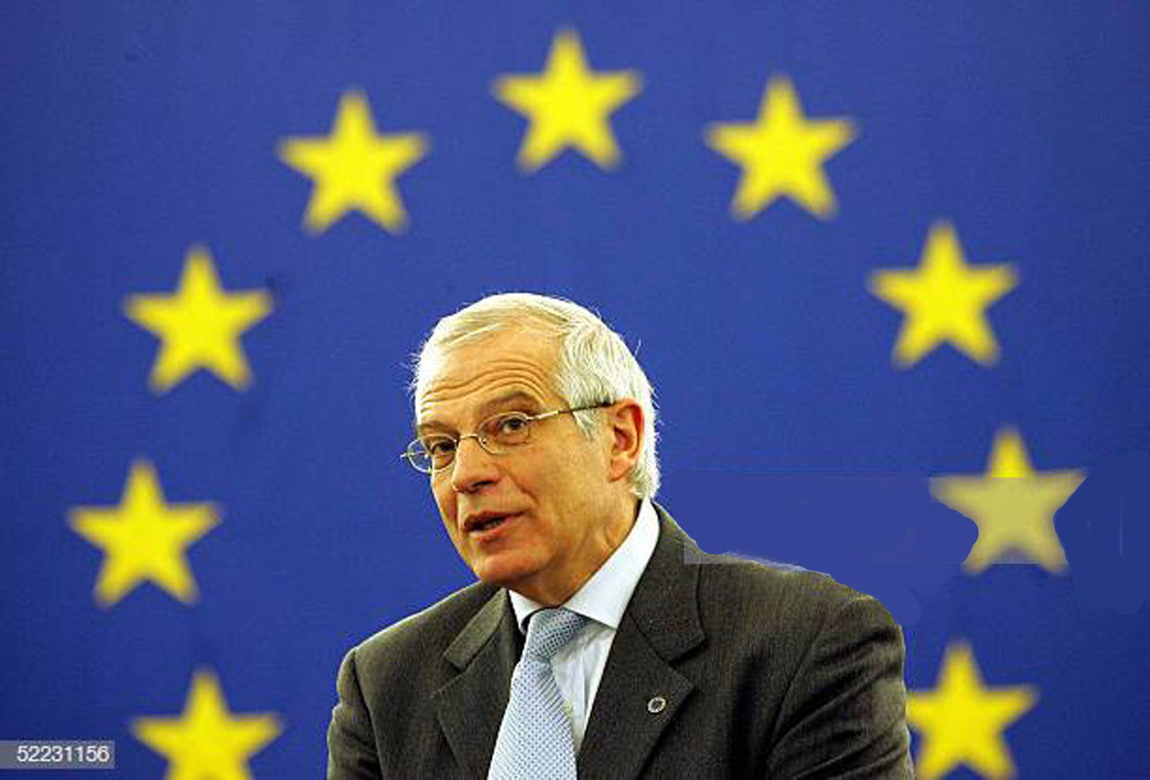 STRASBOURG, FRANCE:  President of European Parliament Josep Borel talks to the Eurpean Assembly, 23 February 2005 in Strasbourg, at the European Parliament .AFP PHOTO OLIVIER MORIN  (Photo credit should read OLIVIER MORIN/AFP/Getty Images)