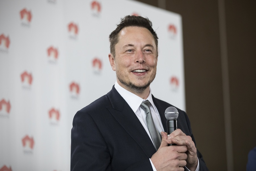 epa06071803 Tesla CEO Elon Musk reacts during a press conference at the Adelaide Oval in Adelaide, South Australia, Australia, 07 July 2017. Tesla will partner with French renewable energy developer Neoen to build the world's biggest Lithium Ion Battery, a 100MW battery that will be built in James Town, the South Australian government announced on the day.  EPA/BEN MACMAHON  AUSTRALIA AND NEW ZEALAND OUT