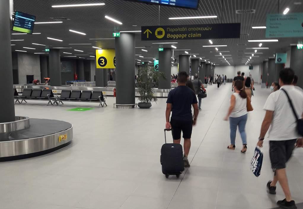 αεροδρομιο-μακεδονια-αφιξεις
