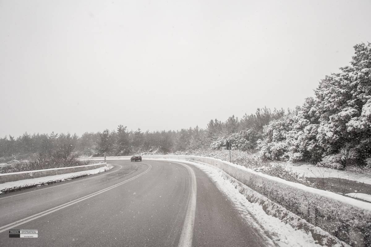 Θεσσαλονίκη: Επιχείρηση για δύο αδέρφια που εγκλωβίστηκαν στα χιόνια – Το τηλεφώνημα για βοήθεια