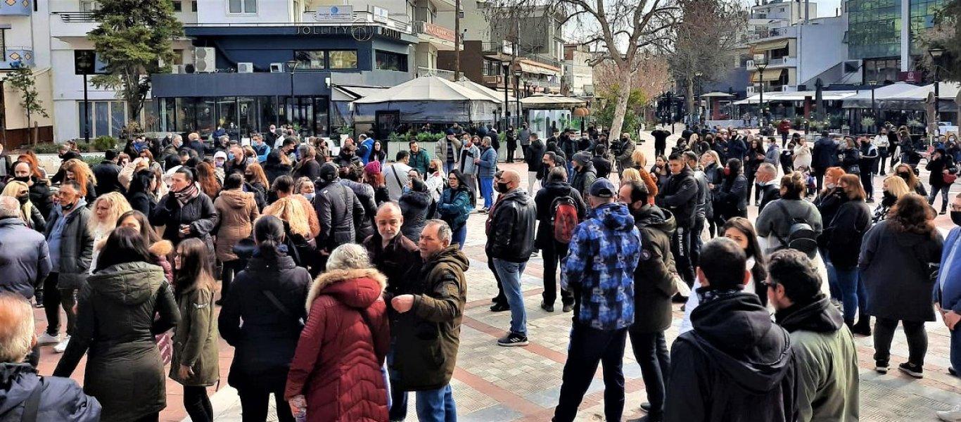 Επανάσταση-στη-Θεσσαλονίκη-Επέβαλαν-σκληρό-lockdown-και-δημιουργούν-hot-spot-μεταναστών-στον-Εύοσμο (1)