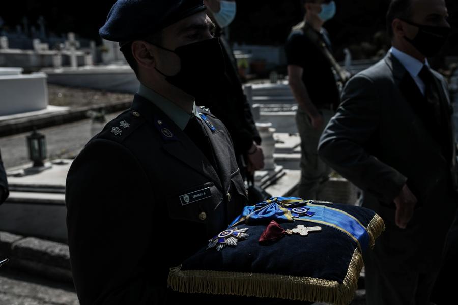 Κηδεία του υποστρατήγου επί τιμή Ιάκωβου Τσούνη, την Δευτέρα 12 Απριλίου 2021. (EUROKINISSI/ΜΙΧΑΛΗΣ ΚΑΡΑΓΙΑΝΝΗΣ)