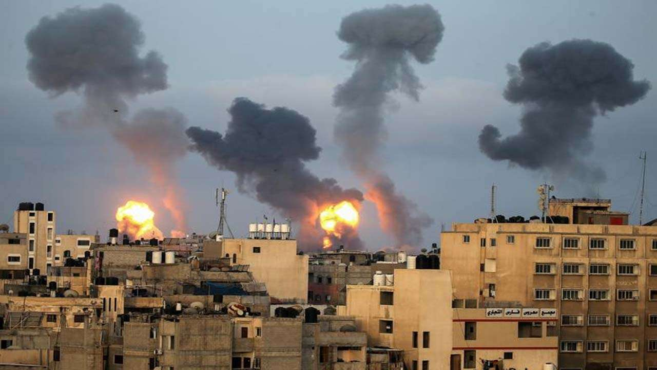 973671-israeli-air-strikes-southern-gaza-reuters