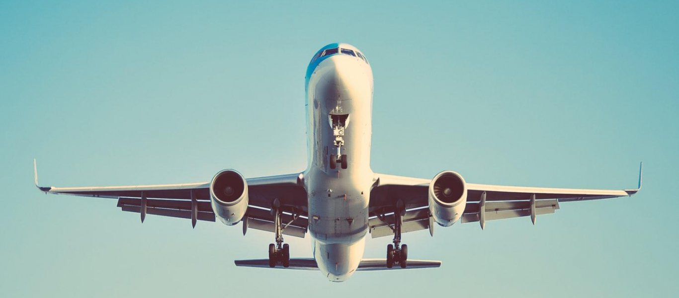 airplane-aeroplano-ptisi