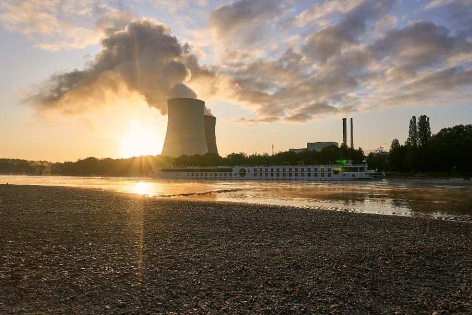 nuclear-power-plant-purinikos-stathmos-960x640