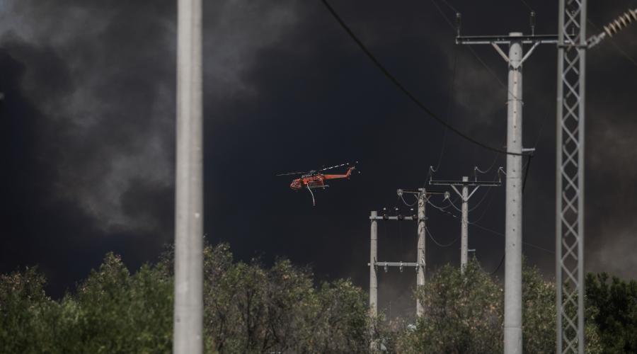 Πυρκαγιά στην Άνω Βαρυμπόμπη του δήμου Αχαρνών, την Τρίτη 3 Αυγούστου 2021. Η φωτιά ξέσπασε ανατολικά στα βασιλικά κτήματα στη Βαρυμπόμπη. Κινητοποιήθηκαν και επιχειρούν 60 πυροσβέστες με 20 οχήματα, δύο ομάδες πεζοπόρων τμημάτων, τέσσερα ελικόπτερα και τέσσερα αεροσκάφη, μεταξύ των οποίων και το ρωσικό Beriev 200. (EUROKINISSI/ΣΩΤΗΡΗΣ ΔΗΜΗΤΡΟΠΟΥΛΟΣ)