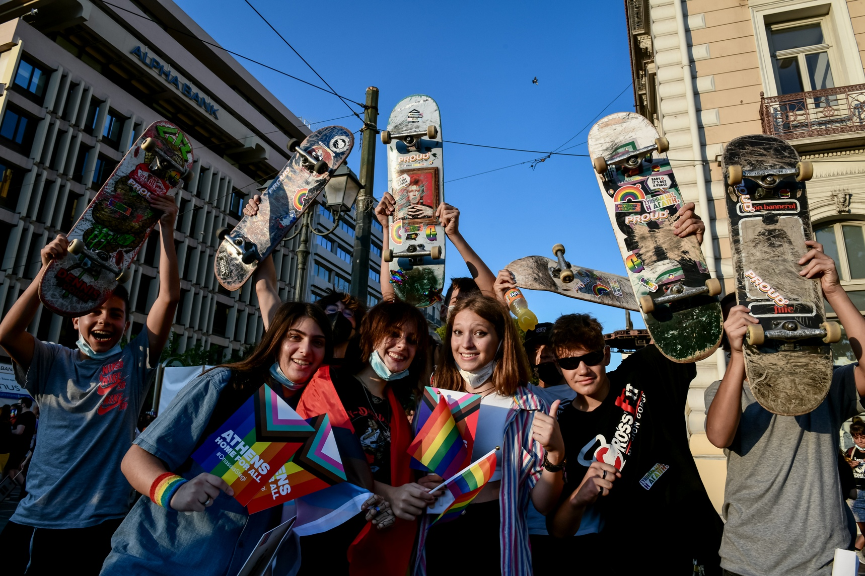 Στιγμιότυπο από την πορεία Athens Pride 2021 - πορεία περηφάνειας της ΛΟΑΤΚΙ ΚΑΙ LGBTQI+ κοινότητας. Γιορτή διεκδίκησης και μνήμης, με συνθήκες πανδημίας φέτος, αλλά με χαρακτήρα διαμαρτυρίας ενάντια σε μια ομοφοβική, τρανσφοβική και ρατσιστική κοινωνία, ενάντια την αστυνομική βία, την πατριαρχία, την ανισότητα, την απομόνωση και την κακοποίηση, Σάββατο 11 Σεπτεμβρίου 2021 (ΤΑΤΙΑΝΑ ΜΠΟΛΑΡΗ/ EUROKINISSI)
