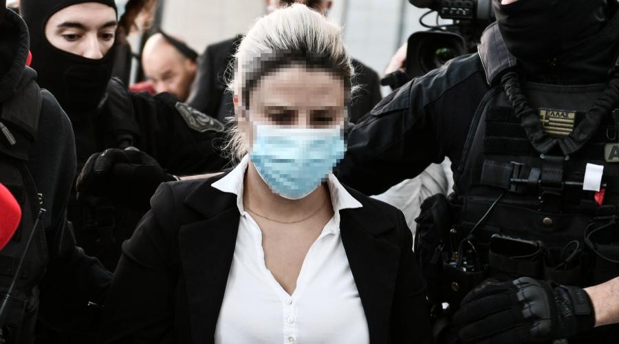 Δίκη της υπόθεσης για την επίθεση με καυστικό υγρό από 37χρονη εναντίον της Ιωάννας Παλιοσπύρου, Πέμπτη 21 Οκτωβρίου 2021.  (ΤΑΤΙΑΝΑ ΜΠΟΛΑΡΗ/EUROKINISSI)