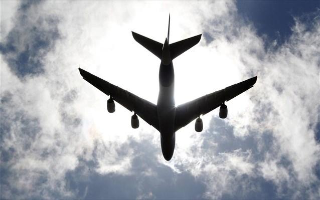 aeroplano-aerodromio-enaerios-xoros